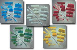 Разноцветные уборочные инстументы